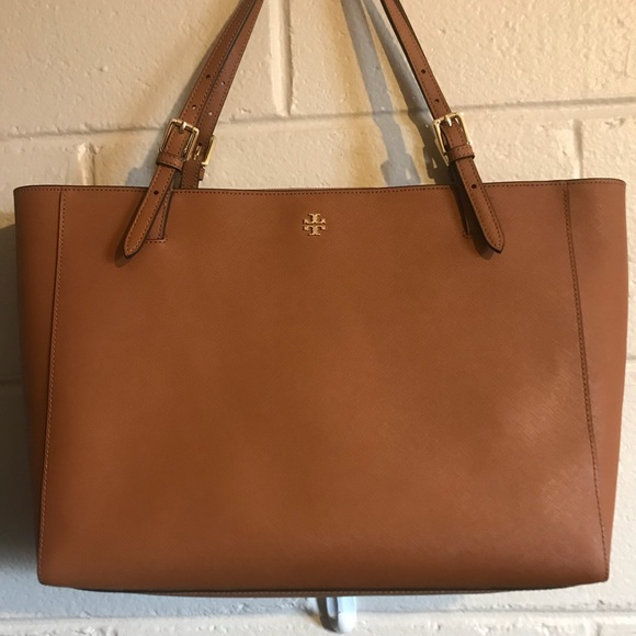 7bcf9c3bf6a8 Tory Burch large brown tote. M 5aba4c512ab8c53c8f178c53